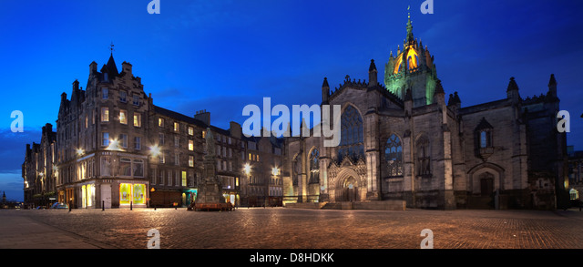 Edinburgh High St dusk pano Giles Kirk in the city capital of Scotland @HotpixUK - Stock Image