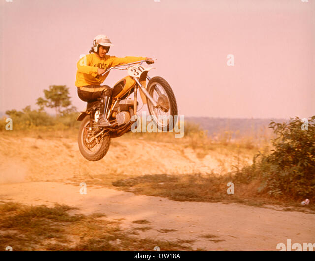 Vintage racing bike stock photos vintage racing bike for Cross country motor club phone number