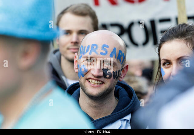 Bristol, UK, 5th March, 2016. A protester demonstrating against the scrapping of Bursaries for Student Nurses - Stock Image