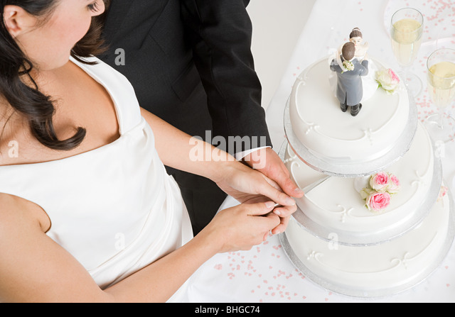 why does the couple cut wedding cake together wedding cake stock photos amp wedding cake stock images alamy 27457