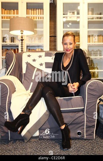 alessandra pocher stock photos alessandra pocher stock images alamy. Black Bedroom Furniture Sets. Home Design Ideas