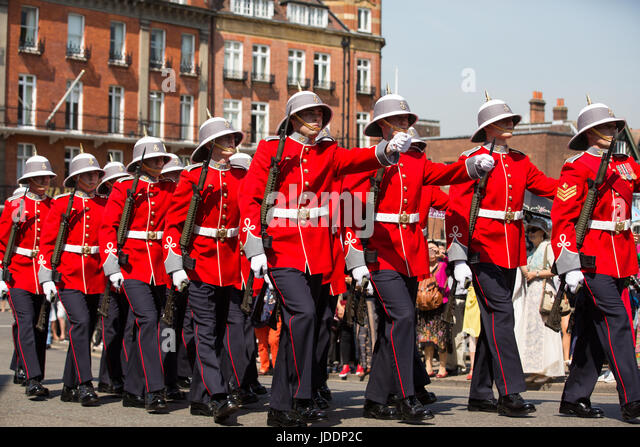 Windsor, UK. 20th June, 2017. Princess Patricia's Canadian Light Infantry change the guard at Windsor Castle, - Stock-Bilder