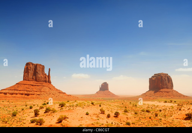Monument Valley, famous movie landscape on sunny day - Stock-Bilder