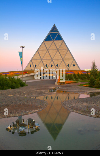 Palace of Peace and Reconciliation pyramid designed by Sir Norman Foster, Astana, Kazakhstan, Central Asia, Asia - Stock-Bilder