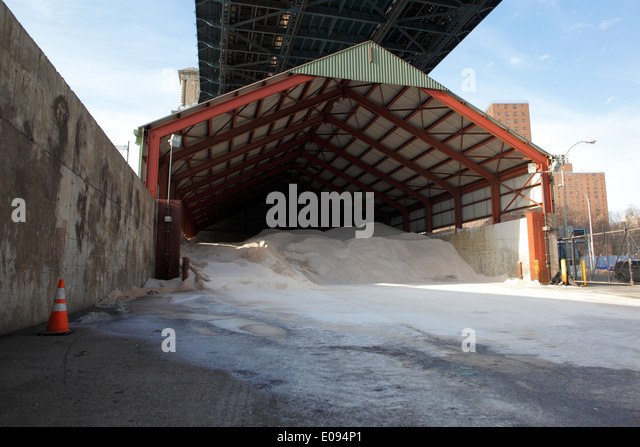 Salt storage stock photos salt storage stock images alamy for Depot friedrichshafen