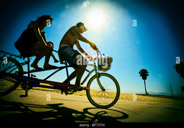 Tandem Bicycle riding, Venice Beach, Los Angeles County, California, United States of America - Stock-Bilder