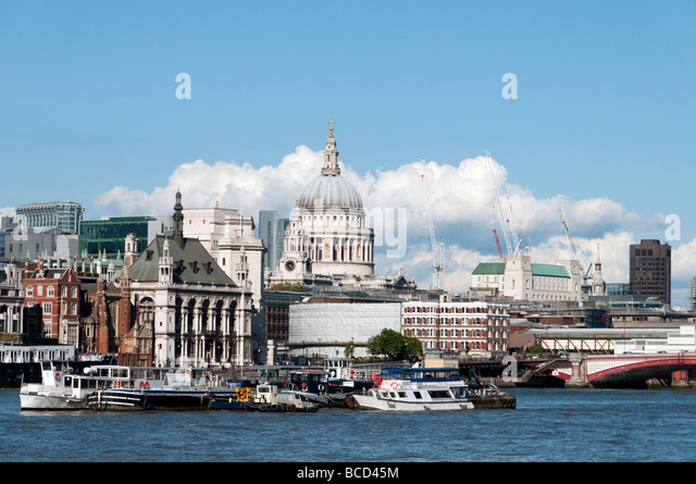 St Paul's Cathedral and the City of London England UK - Stock-Bilder