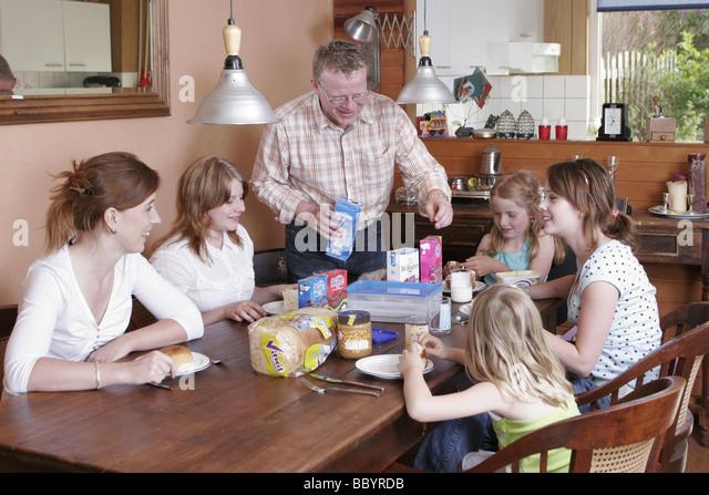 stepfamily eating