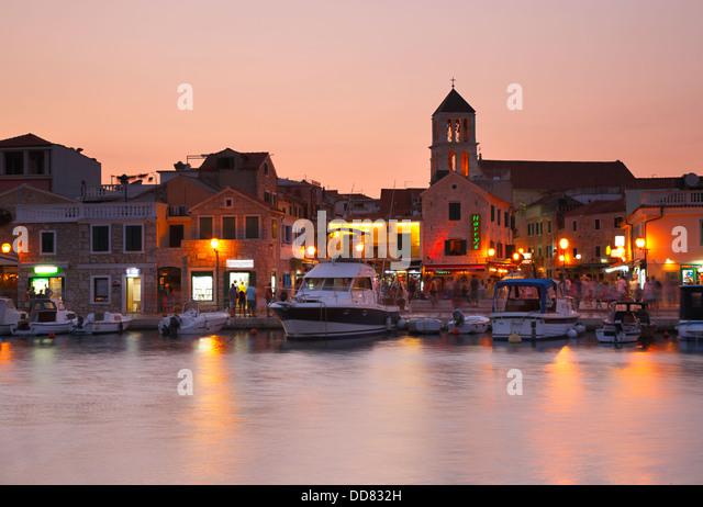 Vodice town by night, Croatia - Stock-Bilder