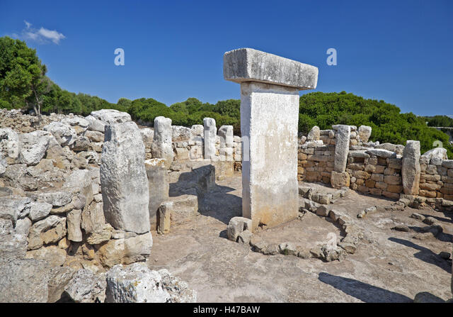 Taula in the prehistoric settlement Torralba D Æ en Salort with Alaior, Menorca, - Stock Image