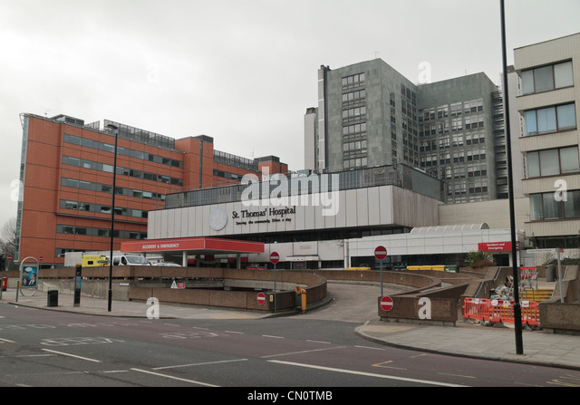 External view of St Thomas' Hospital, part of Guy's and St Thomas' NHS Foundation Trust in Central London, - Stock Image