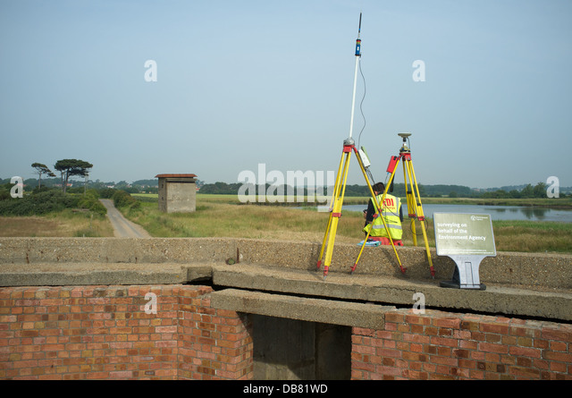 Survey being carried out by the Environment Agency (UK) - Stock Image