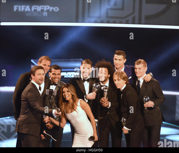 Zurich, Switzerland. 9th Jan, 2017. Host Marco Schreyl takes a selfie with the soccer players Manuel Neuer (Germany, - Stock Image