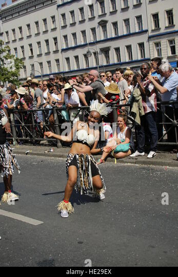 Several Samba groups and dancers perform at Carnival of Cultures on June, 8th 2014 in Berlin Germany. - Stock-Bilder