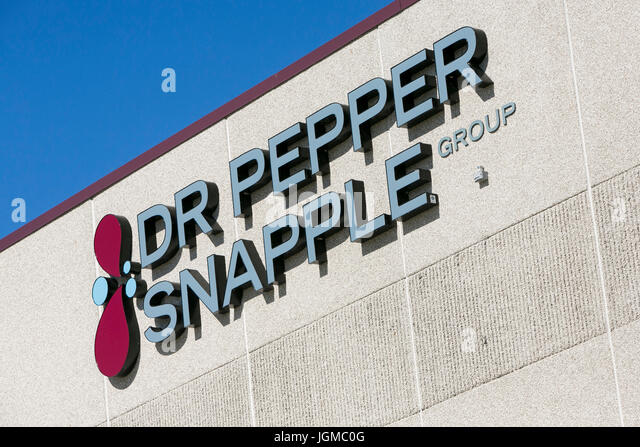 """case anaylsis dr pepper snapple inc Today snapple is apart of dr pepper snapple group, inc snapple is a beverage that is available in a wide variety of juices, teas and flavored waters and has been on shelves for over thirty years snapple beverages are famous for their quirky image, use of glass bottles and """"real facts."""