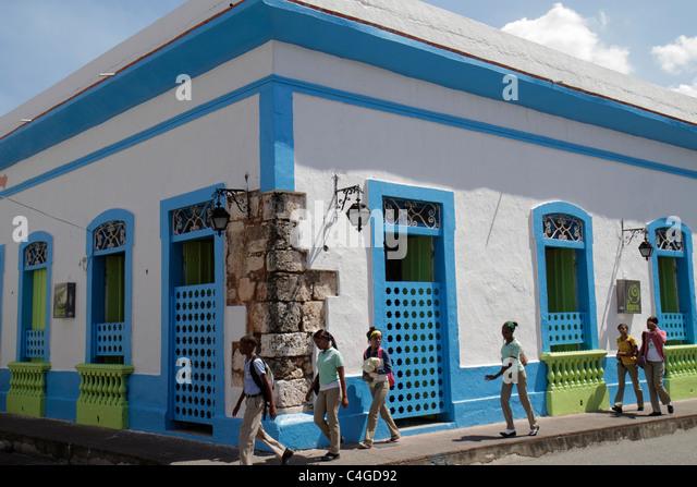 Santo Domingo Dominican Republic Ciudad Colonia Calle Jose Reyes street corner restored colonial building sidewalk - Stock Image