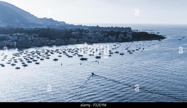 Ischia porto stock photos ischia porto stock images alamy for Kacheln mediterran