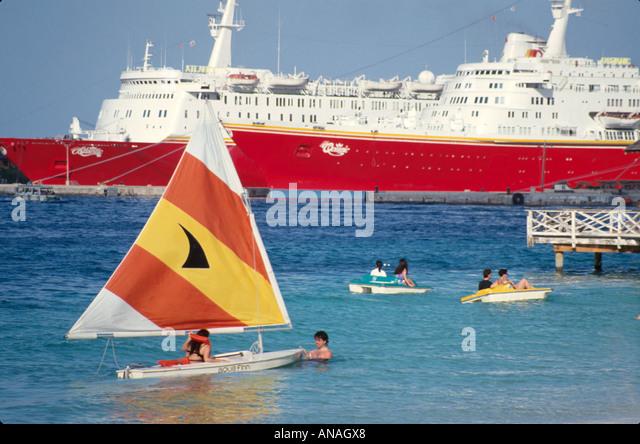 Bahamas New Providence Nassau cruise ship sailboat paddleboat - Stock Image
