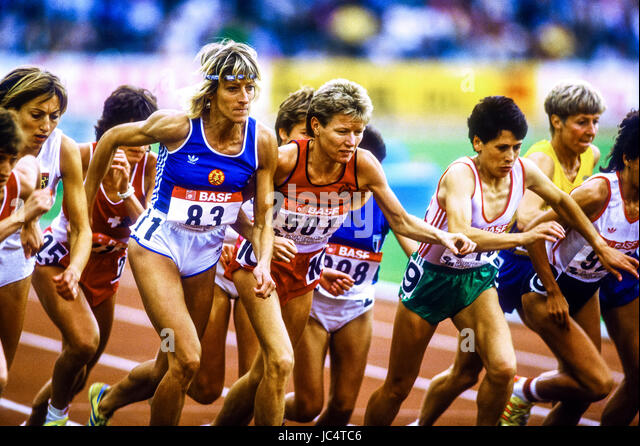 Ingrid Kristiansen (NOR) competing at the 1986 European Championships - Stock-Bilder