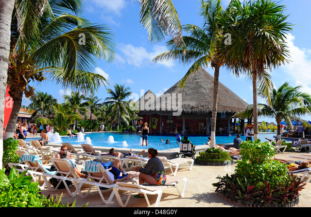 Family Cruise Ship Pool Stock Photos Family Cruise Ship Pool Stock Images Alamy
