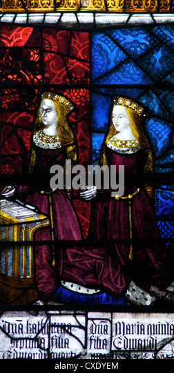 Medieval stained glass depicting Elizabeth of York and Cecily, Royal Window, Canterbury Cathedral, Canterbury, Kent - Stock-Bilder