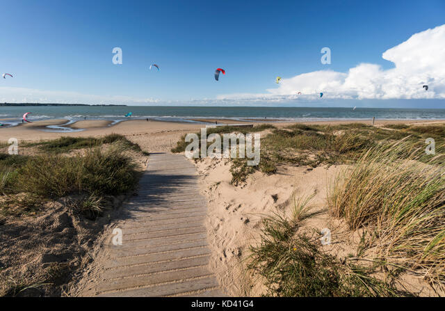 Kitesurfer, Plage Nord, Ile de Re, Nouvelle-Aquitaine, french westcoast, france, - Stock Image