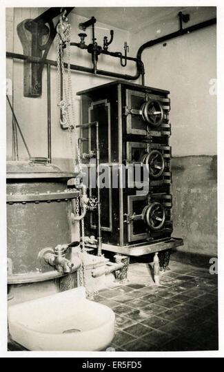 Unknown Device, England.  1900s - Stock Image