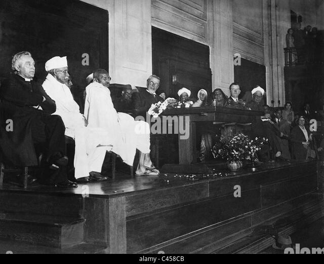 Mahatma Gandhi, Laurence Housman, Madeleine Slade and Sarojini Naidu at the Quakers in London, 1931 - Stock Image