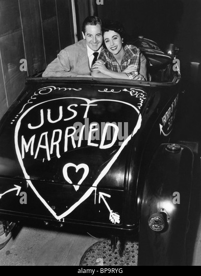 DON TAYLOR & ELIZABETH TAYLOR FATHER OF THE BRIDE (1950) - Stock-Bilder