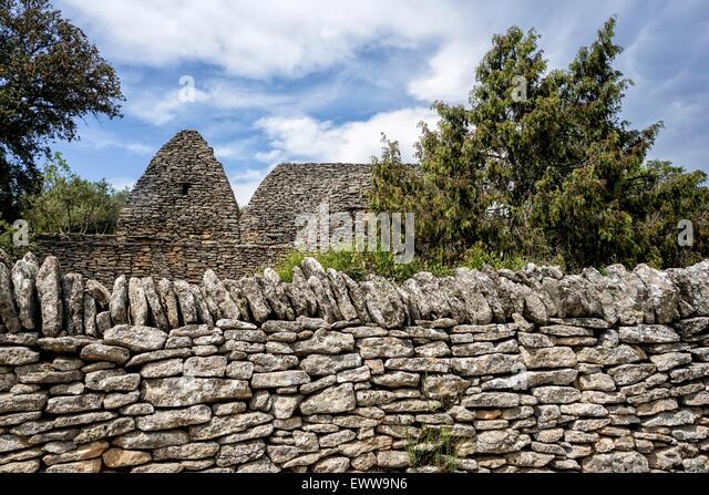 Stone Hut, Le Village des Bories, Open Air Museum near Gordes, Provence, France - Stock Image