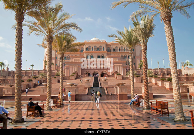 Emirates Palace, a luxury hotel in Abu Dhabi, United Arab Emirates, Asia - Stock Image