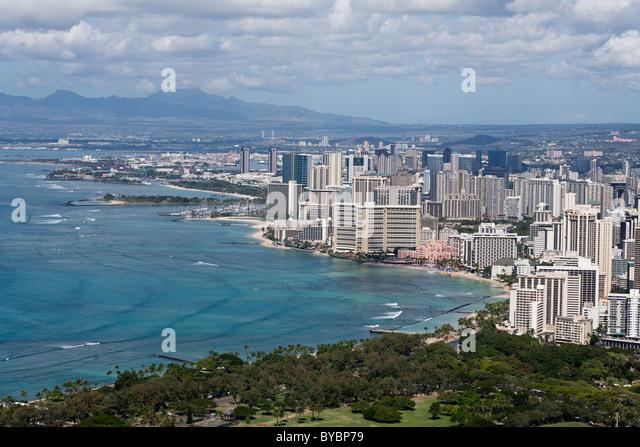Honolulu and Waikiki Beach. Cityscape of Honolulu with Waikiki and its famous beach in the foreground - Stock Image