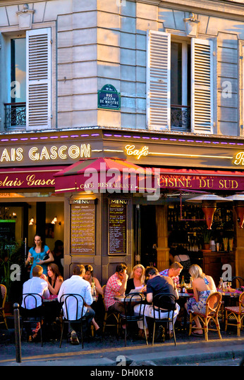 Montmartre food stock photos montmartre food stock for Restaurant miroir paris 18