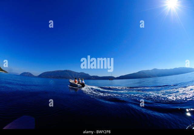Suzuki Outboard Engine Malaysia >> Outboard Stock Photos & Outboard Stock Images - Alamy