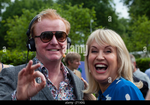 Chelsea Flower Show, London, England, 22nd May 2017. Chris Evans with Nicky Chapman broadcasting his breakfast show - Stock Image