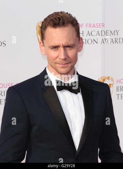 LONDON - MAY 8, 2016: Tom Hiddleston arrives for the House Of Fraser British Academy Television Awards at the Royal - Stock-Bilder