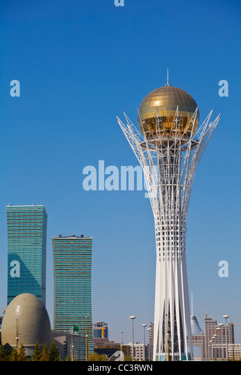 Kazakhstan, Astana, Nurzhol Bulvar - central boulevard, Bayterek Tower Northern Lights apartment buildings and National - Stock-Bilder