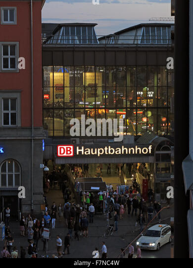 München Hauptbahnhof at night / dusk - Stock Image