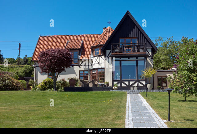 Rooms for rent, B&B in a villa in Snekkersten on the coastal road from Elsinore to Copenhagen, Denmark. - Stock Image