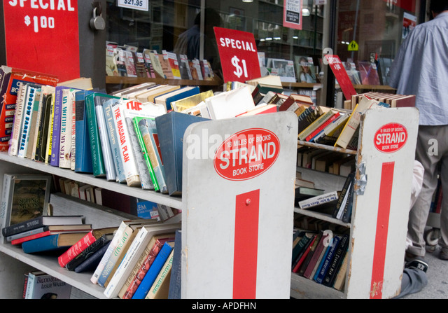 Books for sale at book store in New York City - Stock Image