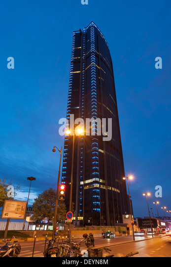 tour montparnasse stock photos tour montparnasse stock images alamy. Black Bedroom Furniture Sets. Home Design Ideas
