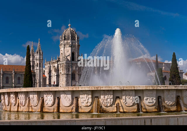Mosteiro dos Jeronimos and fountain Belem Lisbon Portugal - Stock Image