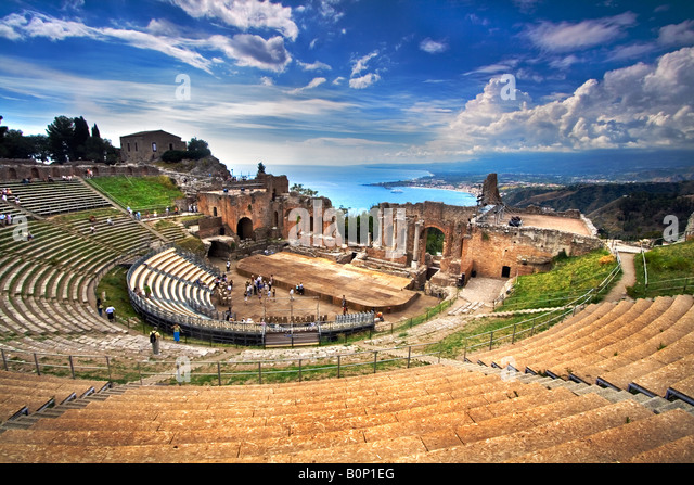 The Greek theatre in Taormina Sicily Italy - Stock Image