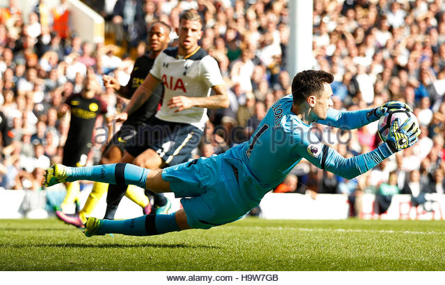 Britain Soccer Football - Tottenham Hotspur v Manchester City - Premier League - White Hart Lane - 2/10/16 Tottenham's - Stock Image