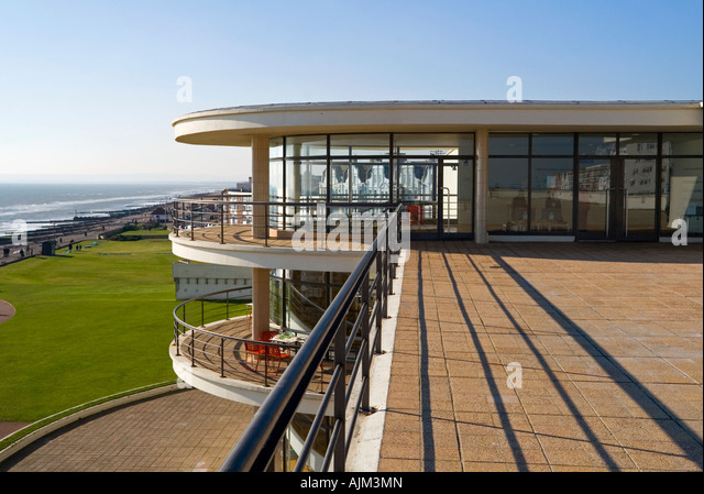 Exterior of the De La Warr Pavilion in Bexhill on Sea East Sussex UK designed by Erich Mendelsohn and Serge Chermayeff - Stock-Bilder