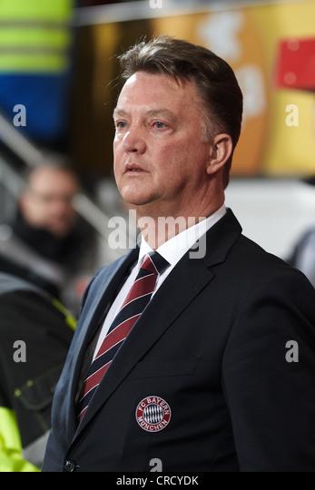 Louis van Gaal, coach of FC Bayern-Muenchen, Bruchweg Stadium, Mainz, Rhineland-Palatinate, Germany, Europe - Stock-Bilder