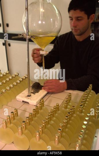 Italy Isle of Capri Tyrrhenian Sea Anacapri SM Parfums inhouse perfume laboratory musk scent for women - Stock Image