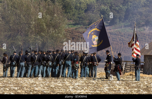 Union Troops on Battleground - Stock Image