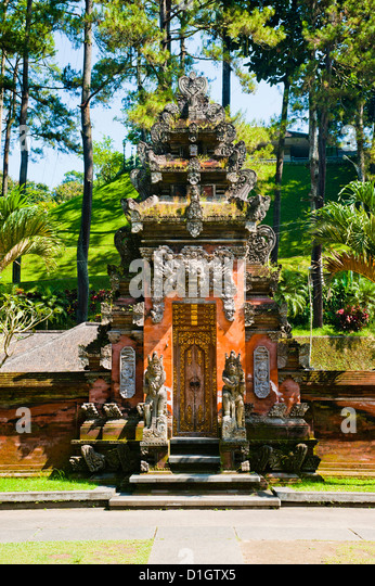 Balinese door at Pura Tirta Empul Hindu Temple, Bali, Indonesia, Southeast Asia, Asia - Stock Image