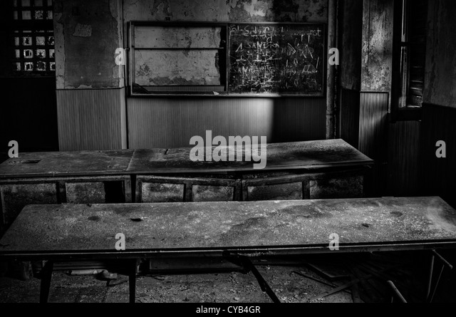 Italy. Ruined classroom in abandoned school - Stock-Bilder